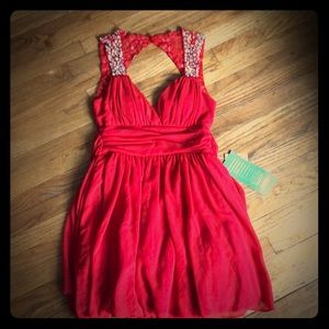 Open back red formal dress NWT size 7